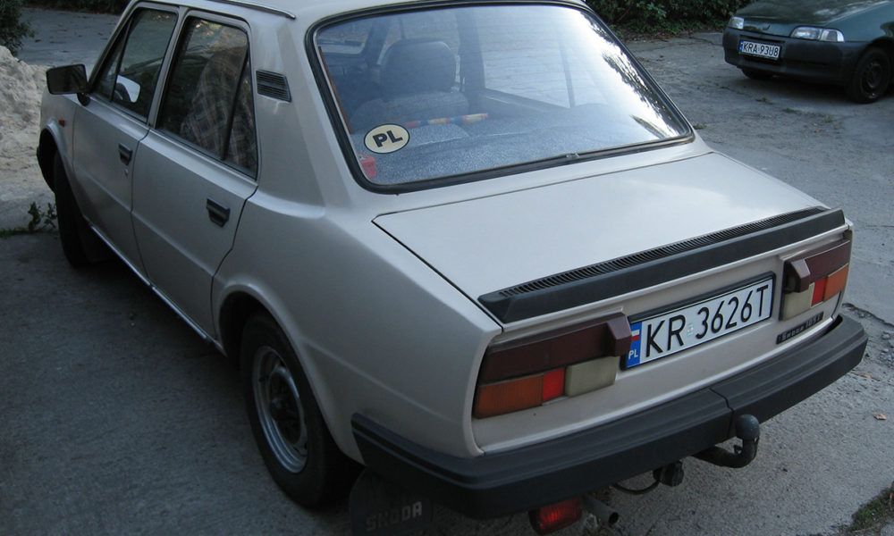 skoda_105_l_produced_between_1984_and_1986_in_krakow_3