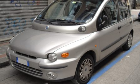 Fiat_Multipla_silver_front