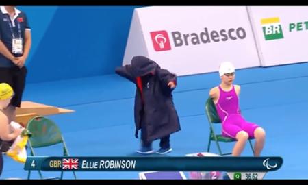 Prišla, videla, zvíťazila. Fantasická Ellie Robinson všetkým vytrela zrak!