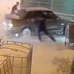Najzábavnejšia policajná naháňačka roka. Opitý ruský vodič vošiel autom na letisko a spôsobil miliónové škody