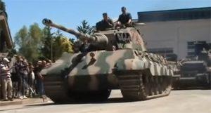 Tiger II: Plne funkčný nacistický tank z 2. svetovej vojny