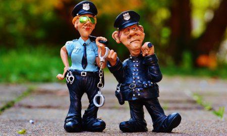 cop-1016218_960_720