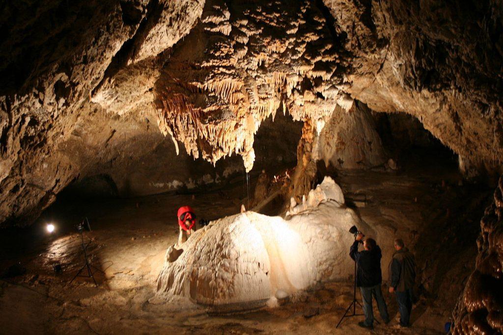 Demänovská jaskyňa. By Paweł Kuźniar (Jojo_1, Jojo) - Own work, CC BY-SA 3.0, Link