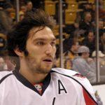Ovečkin vyporovokoval masovú bitku pri zápase NHL