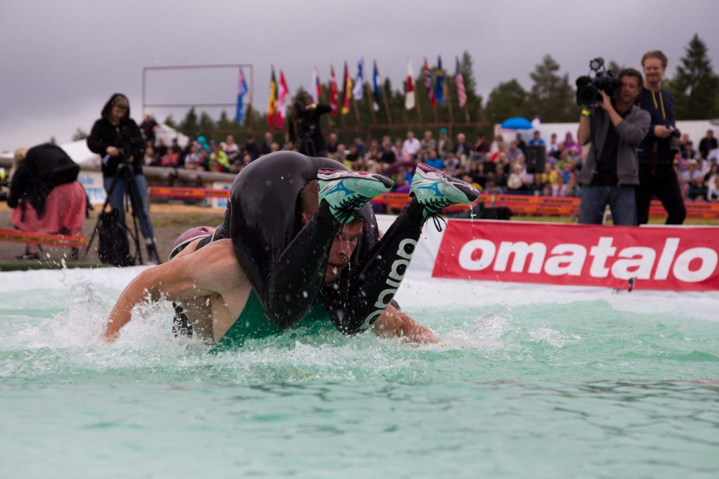 """Wife carrying World Championships water"" (CC BY-ND 2.0) by VisitLakeland"