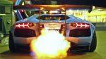 Horiace Lamborghini Aventador uprostred Dubaja