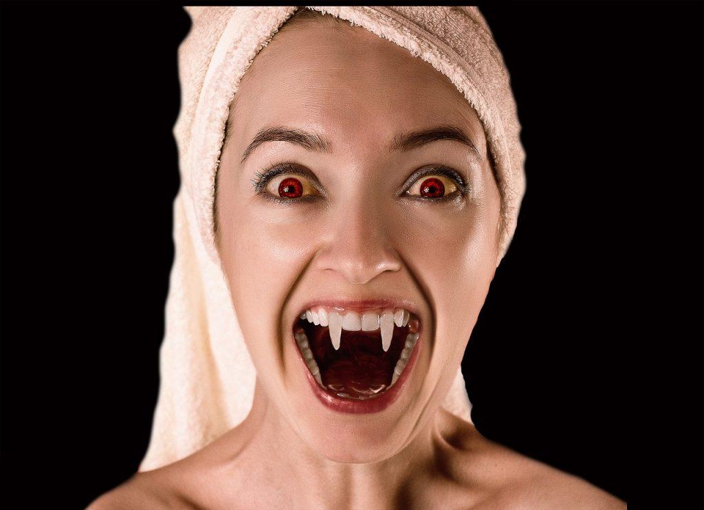 vampire-2115396_1280