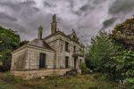 Fotograf našiel na francúzskom vidieku opustený dom. To, čo našiel vo vnútri, ho šokovalo