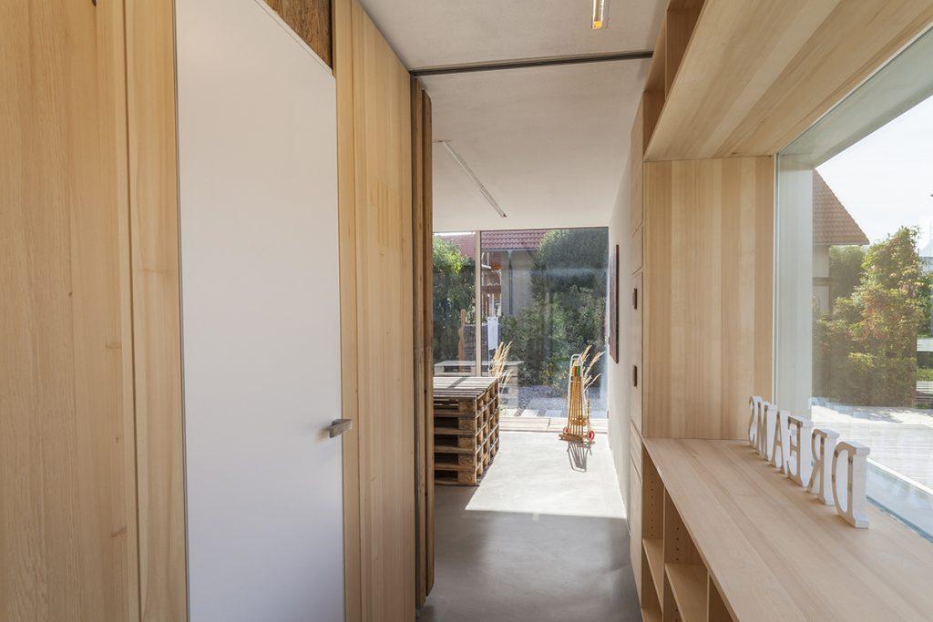06_innen-durchblick-palettenhaus