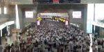 Ľudská rieka: Takto vyzerá špička v tokijskom metre