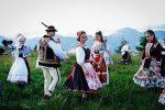 Takúto poctu slovenské devy ešte nedostali. Krásna pieseň s ľudovým motívom