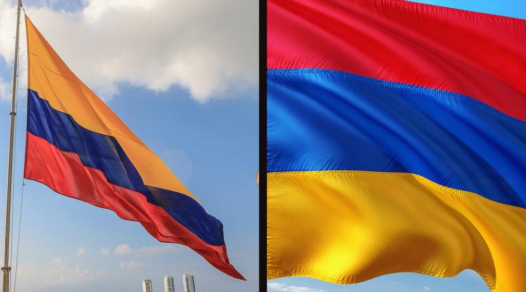 Vľavo kolumbijská vlajka, vpravo arménska.