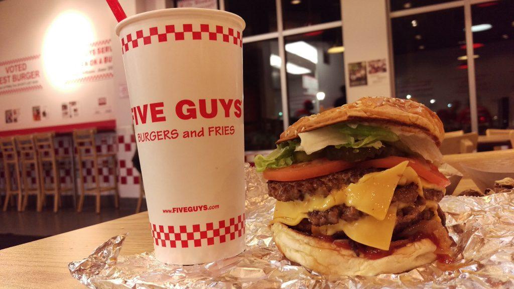 """Five Guys Triple Bacon Cheeseburger""(CC BY 2.0)bykjarrett"