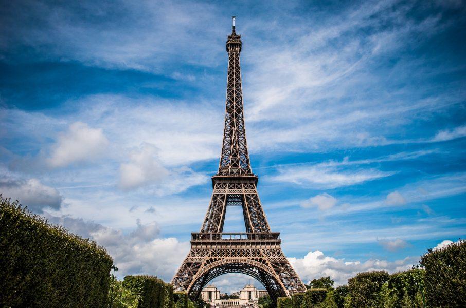 eiffel-tower-975004_1920