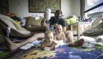 Otec dvojičiek sa zmocnil fotoaparátu a takto to dopadlo
