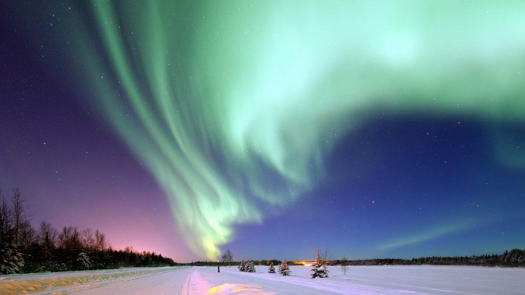aurora-borealis-1181004_1920