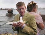 Vrchol nevkusu: 10 naozaj ostrasných svadobných fotografií