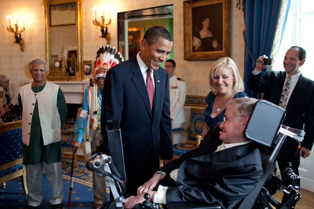 1200px-Barack_Obama_speaks_to_Stephen_Hawking