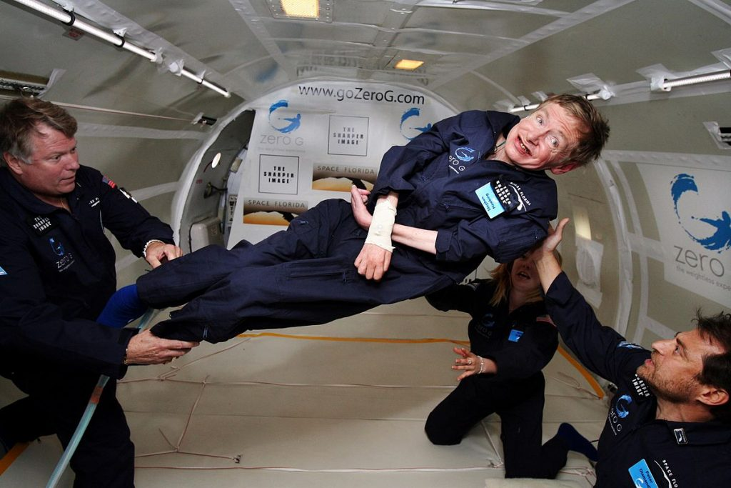 1200px-Physicist_Stephen_Hawking_in_Zero_Gravity_NASA