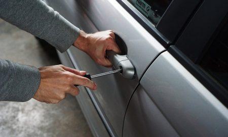 Zlodej vrátil auto po troch dňoch. Zanechal aj lístok s ospravedlnením