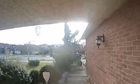 Záhadný záznam z kamery na dome: Kanaďanku údajne navštívil duch