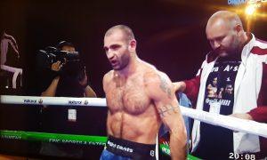 Gruzínsky boxer nezvládol prehru a napadol svojho vlastného trénera