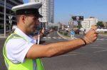 Križovatka riadená policajtom. Dokážete ju správne prejsť?