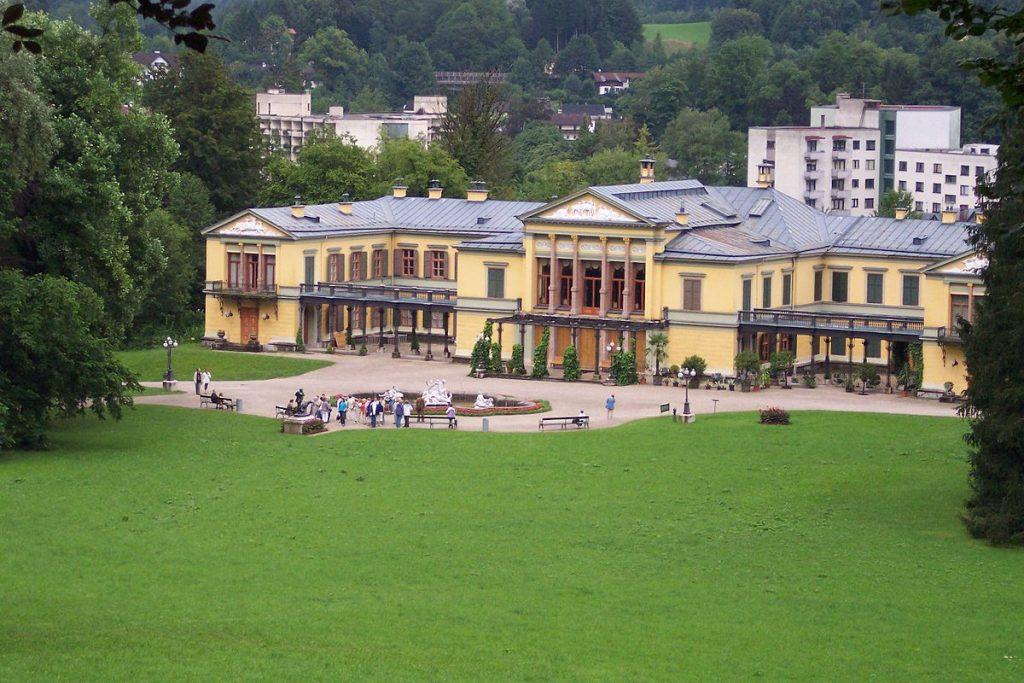 1200px-Kaiservilla_Bad_Ischl