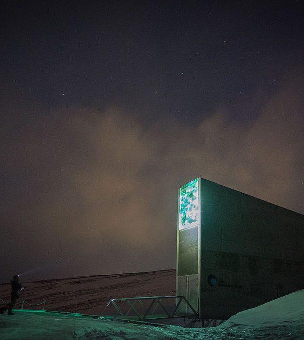 Svalbard_Global_Seed_Vault_23273281972-610x683
