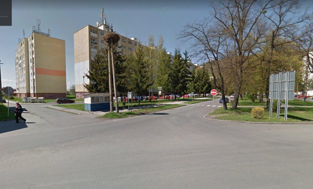 Fotka predmetnej križovatky z Google Earth.