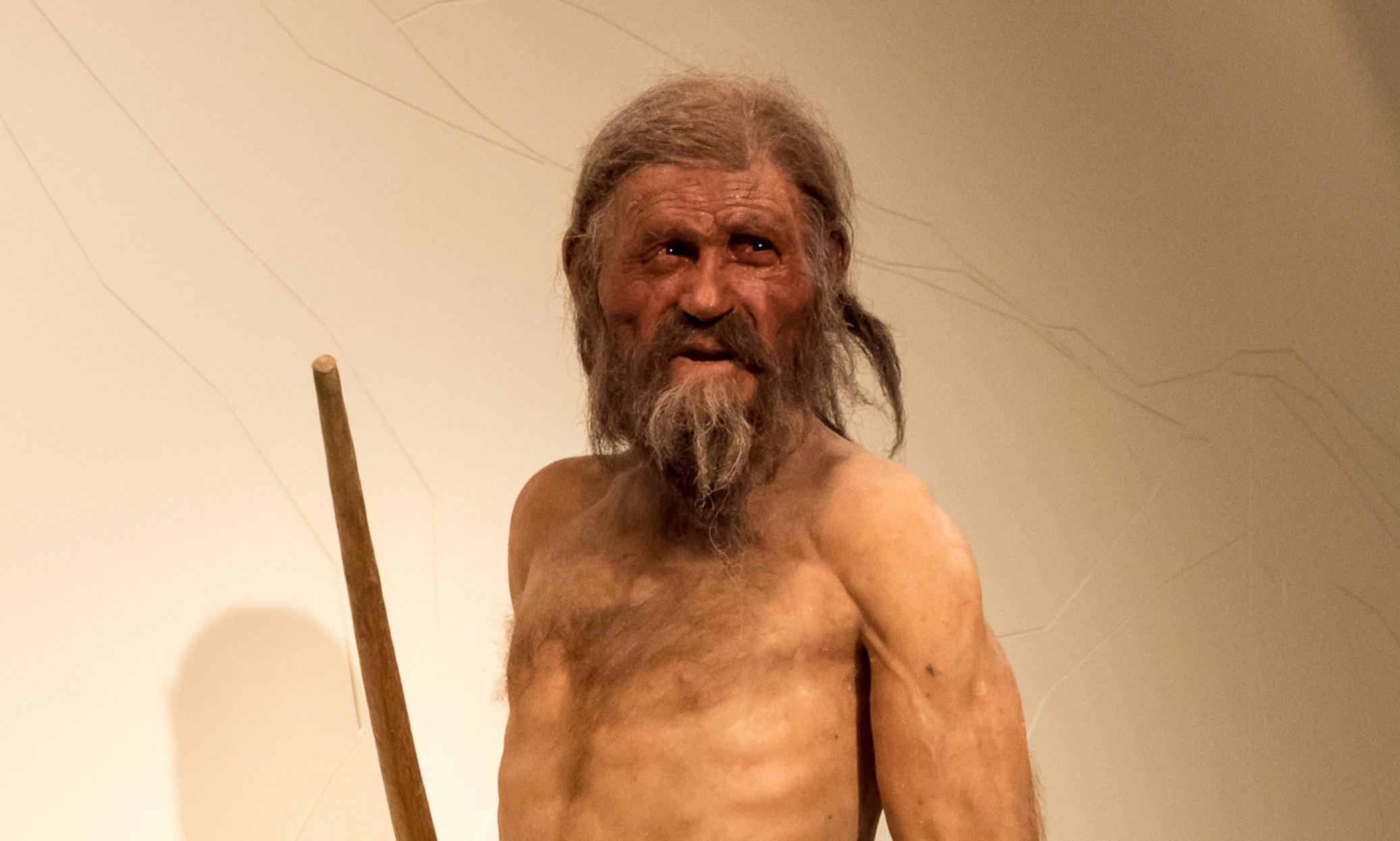 6 zaujímavostí, ktoré si oľadovom mužovi menom Ötzi pravdepodobne nevedel