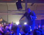 Reper Separ prefackal fanúšika, ktorý na koncerte fyzicky napadol dievča