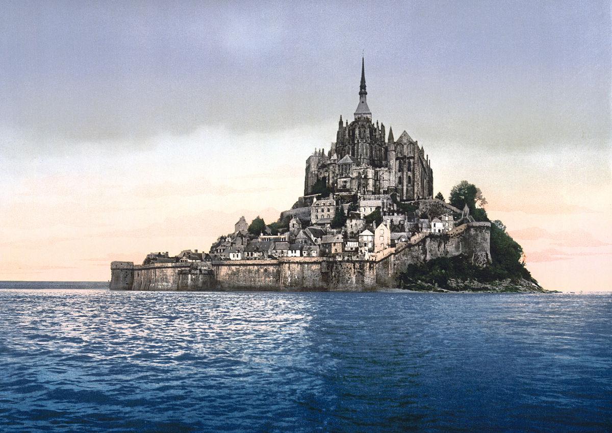 Mont-Saint-Michel: Morská Bastila