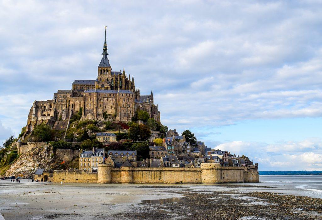 mont-saint-michel-2489345_1280