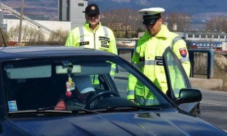 Ako sa správať k policajtom počas rutinnej dopravnej kontroly?