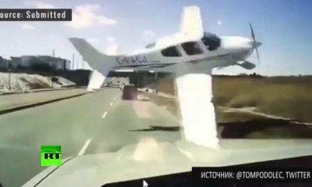 Padajúce lietadlo skrížili cestu autám na kanadskejdiaľnici