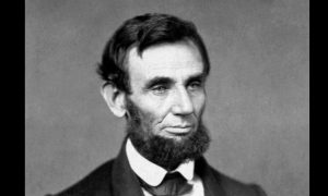Unikol Abraham Lincoln pred vlastnou manželkou do funkcie prezidenta USA?