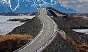 TOP10: Najstrašidelnejšie mosty na svete. Fanúšikovia závrate si prídu na svoje
