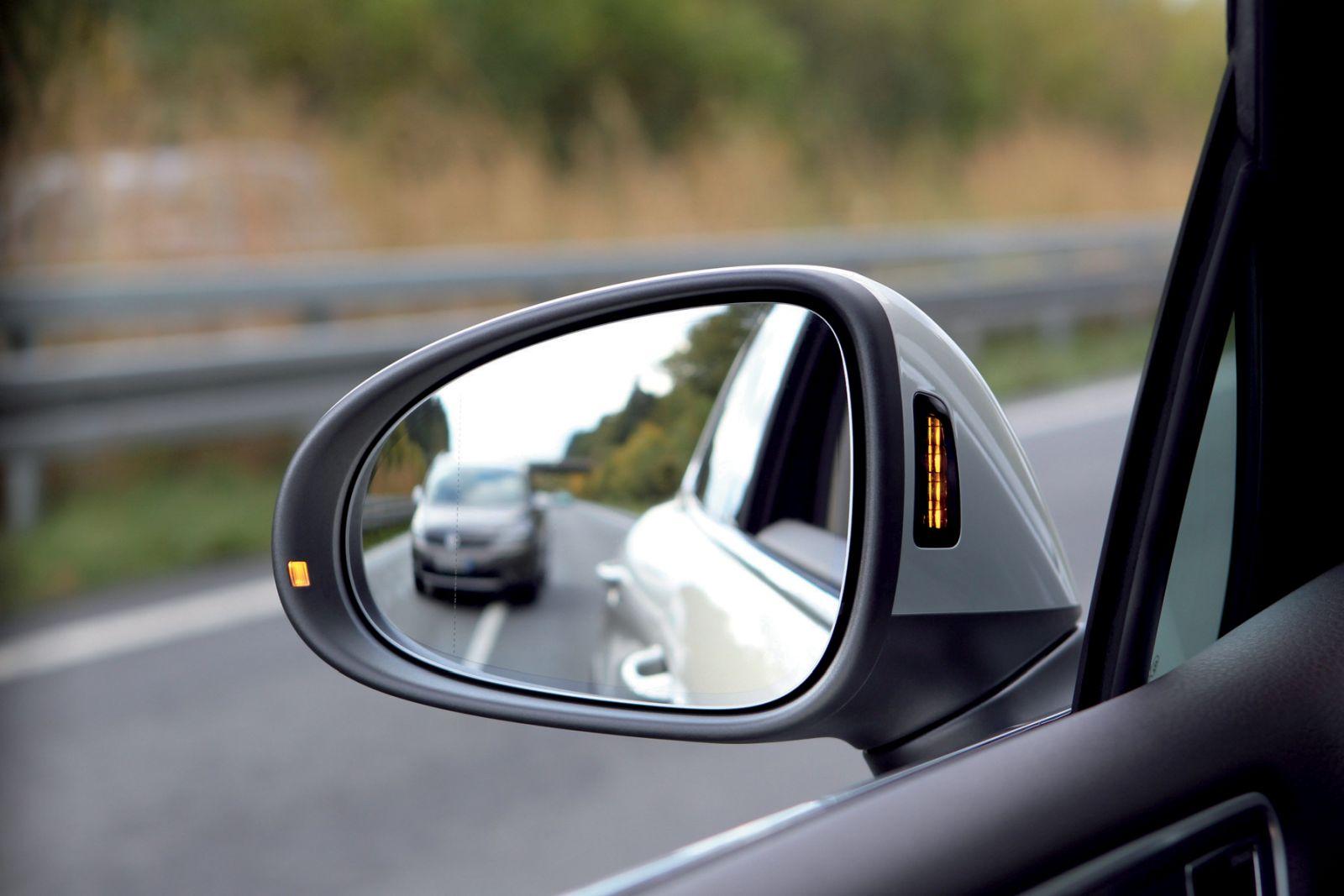 Potrebujeme asistenčné systémy v moderných autách?