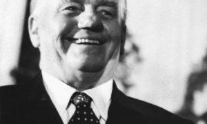 Wilhelm Pieck: Keď jedna diktatúra strieda druhú