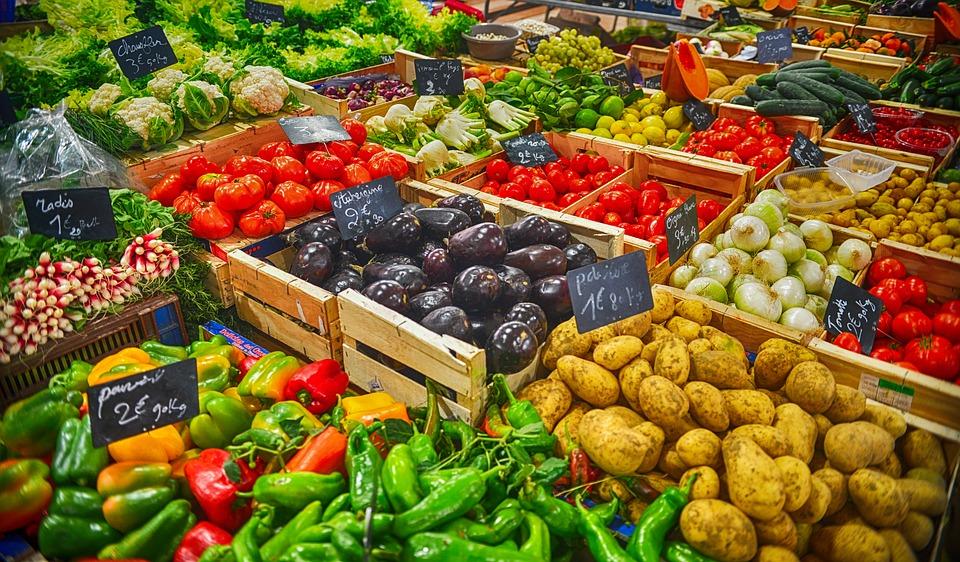 Chcete sa dožiť 100-vky? Lekár zverejnil zoznam potravín, ktoré jesť každý deň