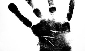 čierna ruka