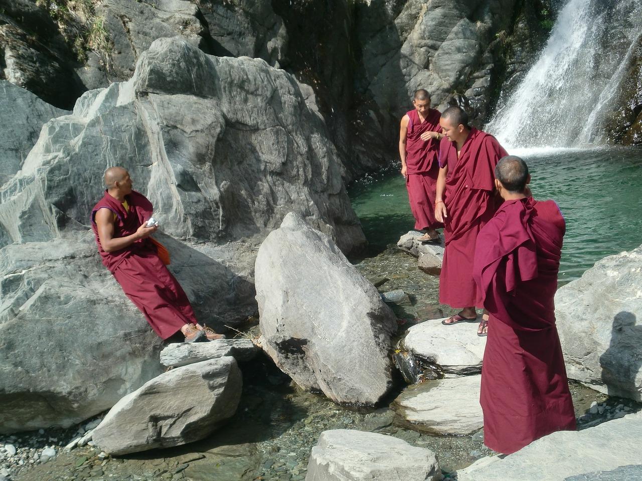 Tibetskí mnísi a indickí jogíni a ich nadľudské schopnosti