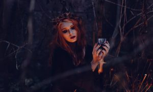 Urieknutie: Neškodná povera alebo skutočné čary?