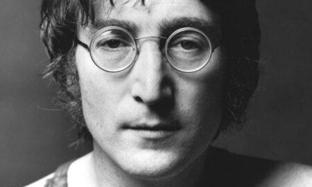 Smrť Johna Lennona akonšpirácie