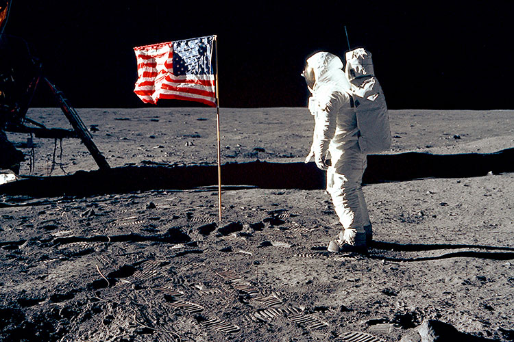 Pristátie na Mesiaci a nekončiace konšpirácie