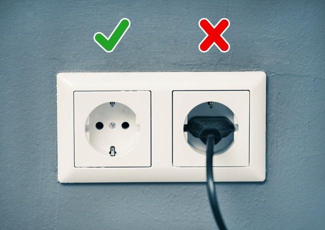 Týchto 5 spotrebičov odoberá energiu aj po vypnutí