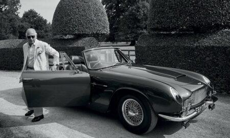 Princ Charles vlastní unikátny Aston Martin, ktorý jazdí na víno asyr